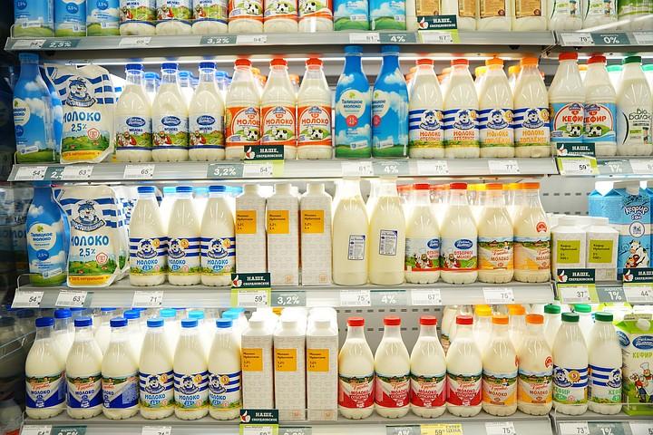 В городах Свердловской области подорожало молоко