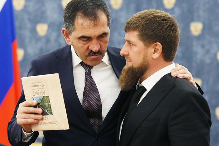 Глава Республики Ингушетия Юнус-Бек Евкуров и глава Чечни Рамзан Кадыров (слева направо)