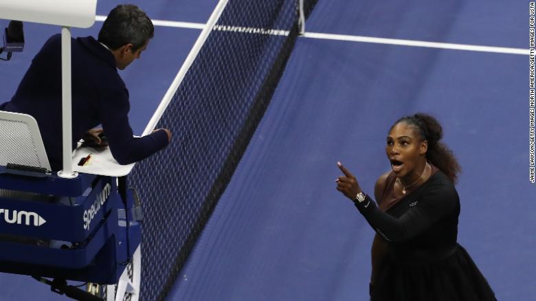 Серена Уильямс обвинила судью в сексизме. Фото CNN.