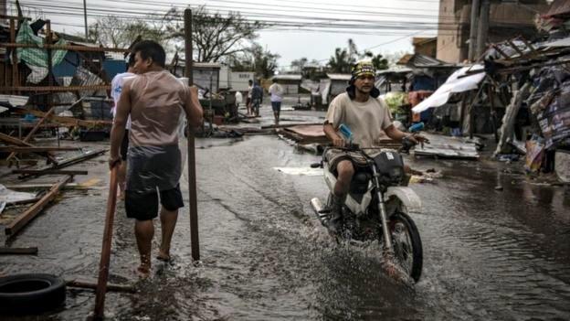 Тайфун «Мангхут» унёс жизни более 25 человек на Филиппинах