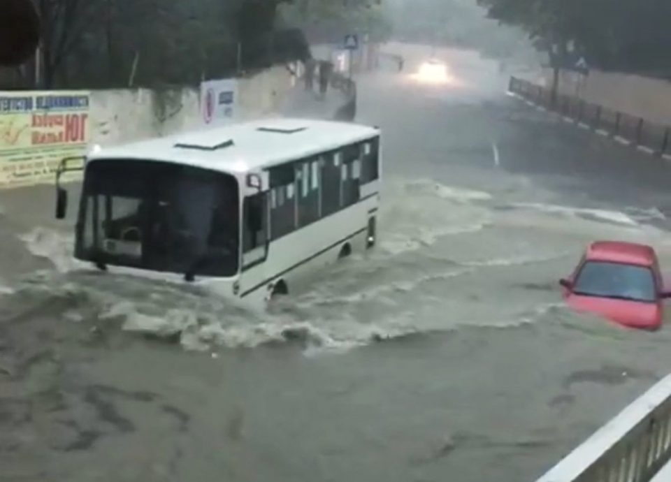 Потоп в Туапсе. Фото Риа-новости