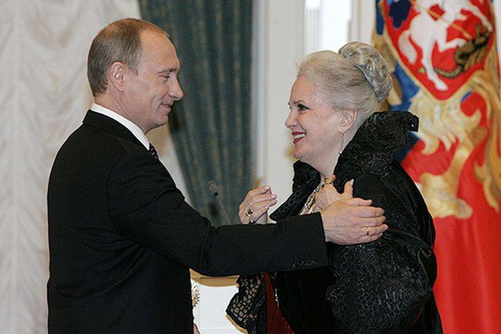Элина Быстрицкая награждена орденом