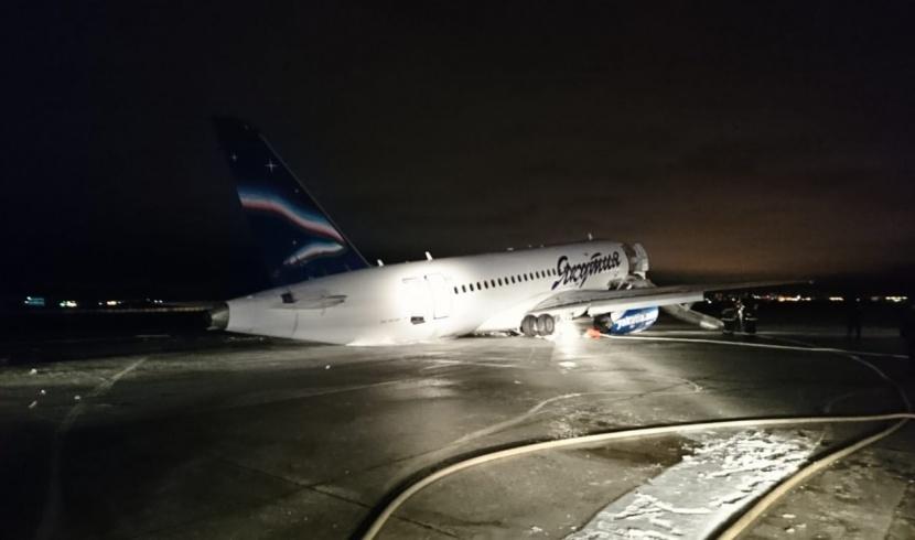 Аварийная посадка в аэропорту Якутска