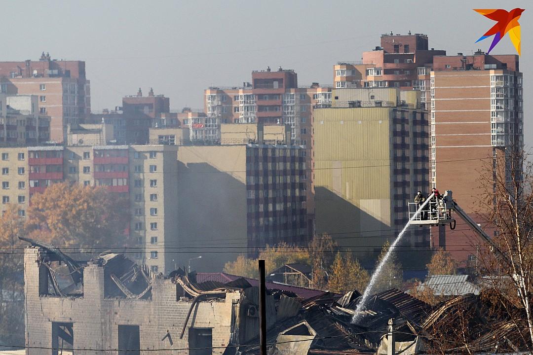 Иркутск. Пожар в Мебель-сити