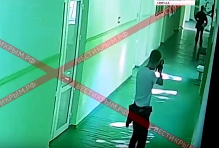 запись с камер видеонаблюдения колледжа в Керчи