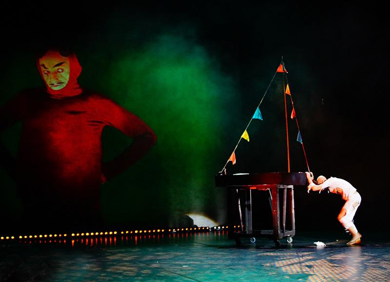 Фестиваль моноспектаклей «Solo» в Москве. Последний клоун на земле.