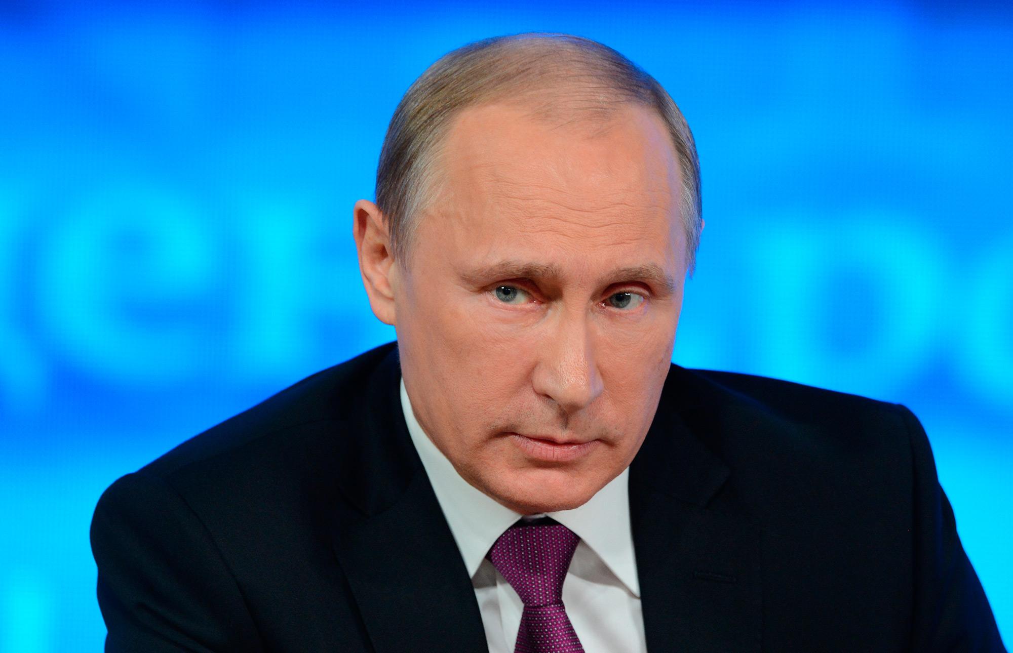 Путин перевёл личные деньги