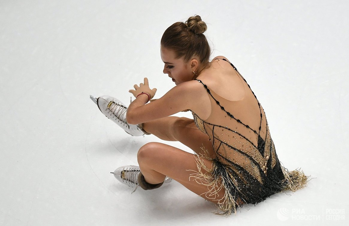Елена Радионова снялась с Гран-при «Скейт Америка»