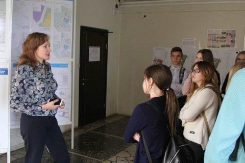 Татьяна Щербо познакомила школьников с мэром. Фото Пресс-служба администрации города.
