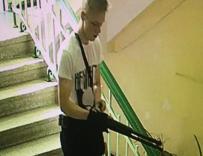 Видеоподробности теракта в Крыму и фото стрелка