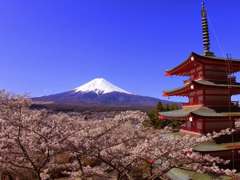 Фудзияма - священная гора Японии