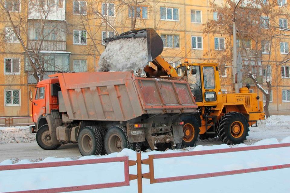 Уборка снега в Каменске-Уральском