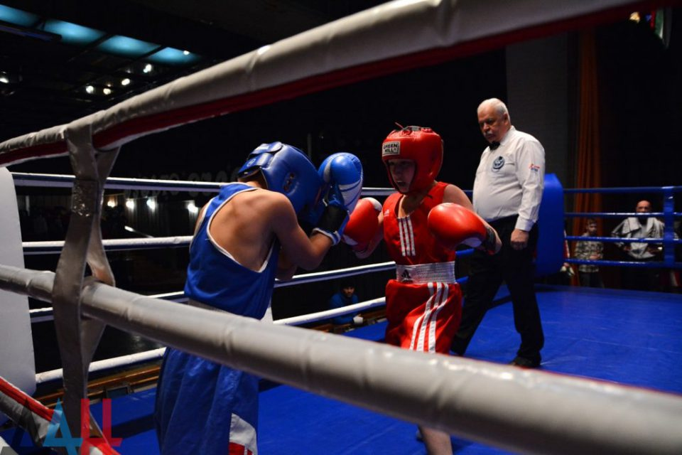 на международный турнир по боксу