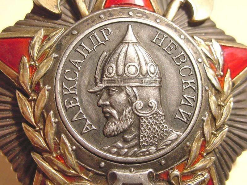 Евгений Куйвашев награждён орденом Александра Невского, сообщают сети