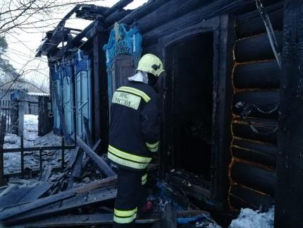 в результате пожара в частном доме погибли восемь человек