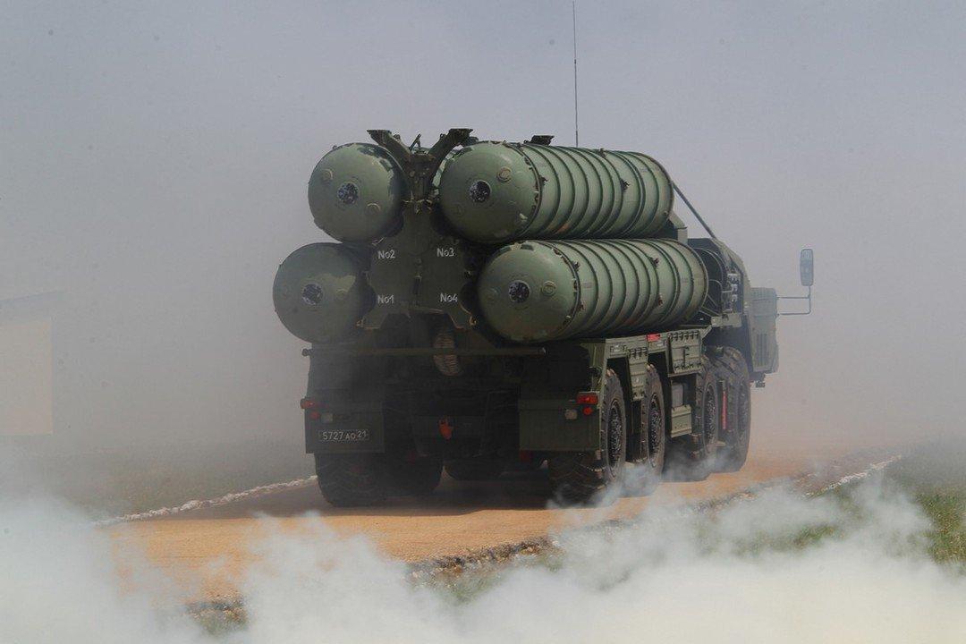 отказываться от российских комплексов С-400