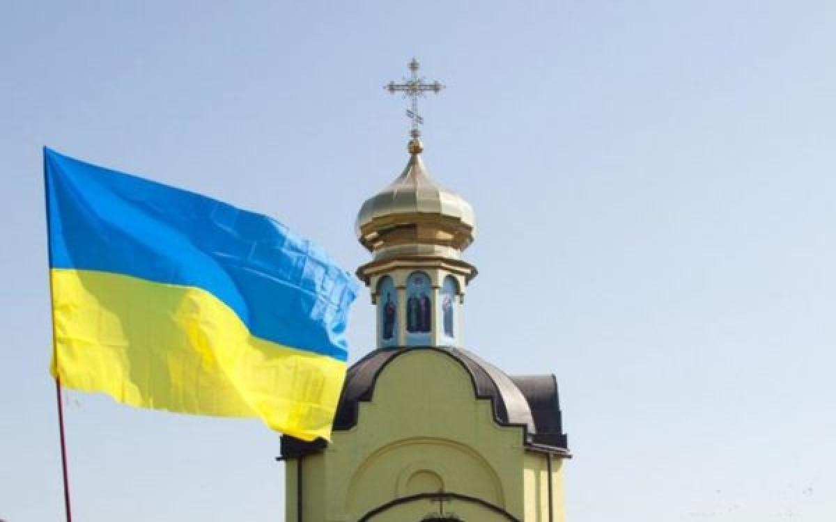 """340 приходов перешли в """"новую церковь"""""""