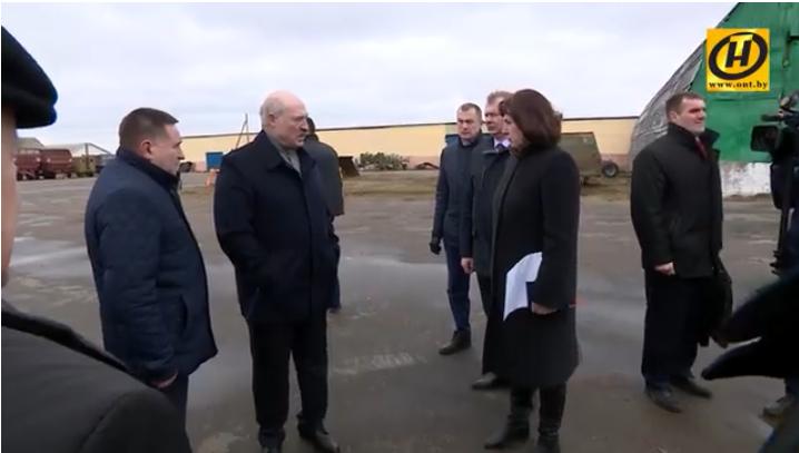 Лукашенко уволил