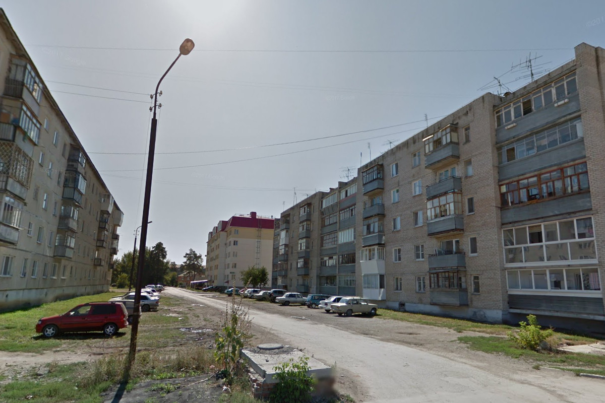 Девочка выпала из окна пятого этажа в Каменске-Уральском и выжила
