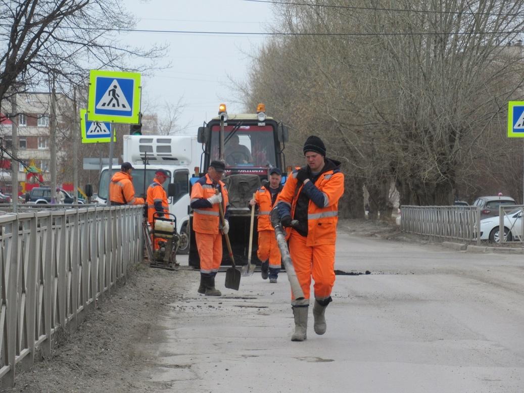 ямочный ремонт дорог продолжается
