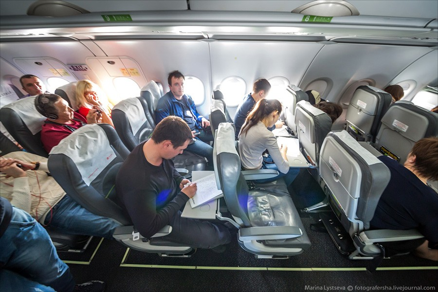 тотальный диктант в самолете