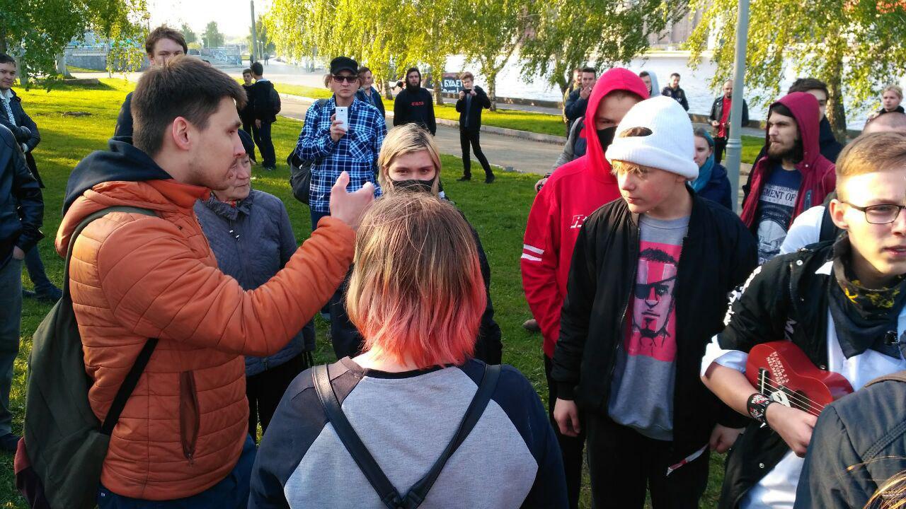 протесты в Екатеринбурге продолжаются