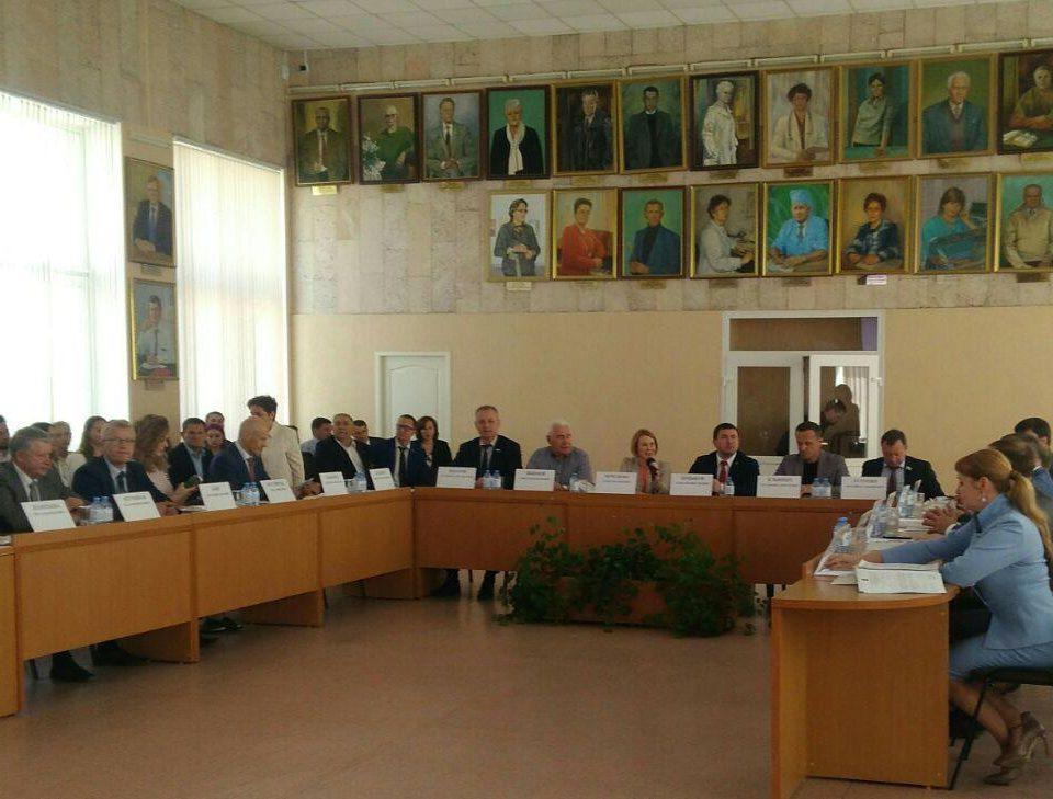 Каменск-Уральский будет добиваться реконструкции стадиона Металлург
