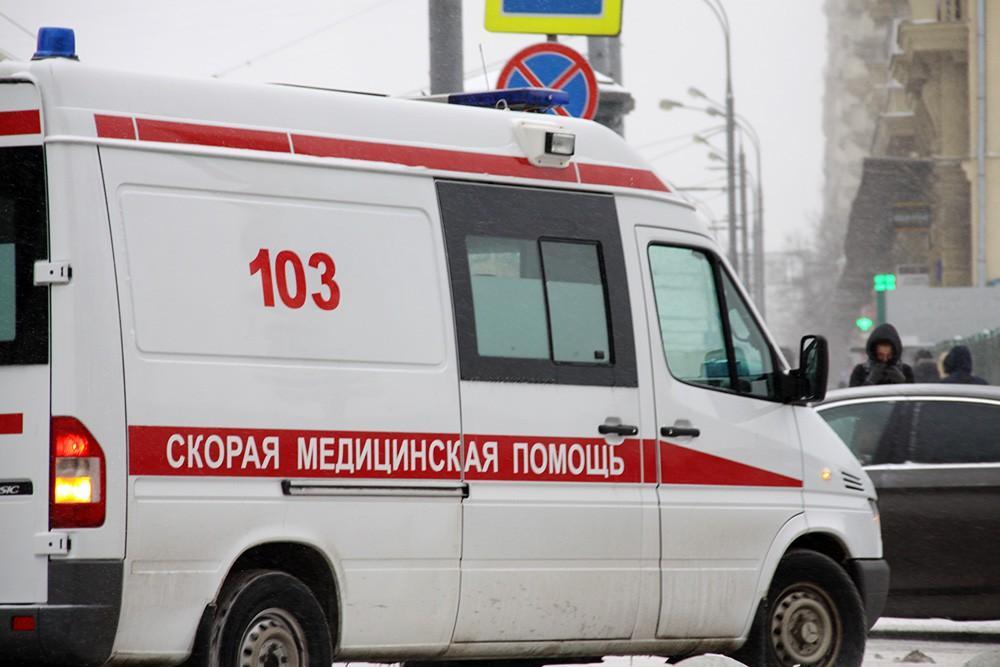 Четверо пьяных мужчин напали на фельдшера скорой помощи в Чувашии