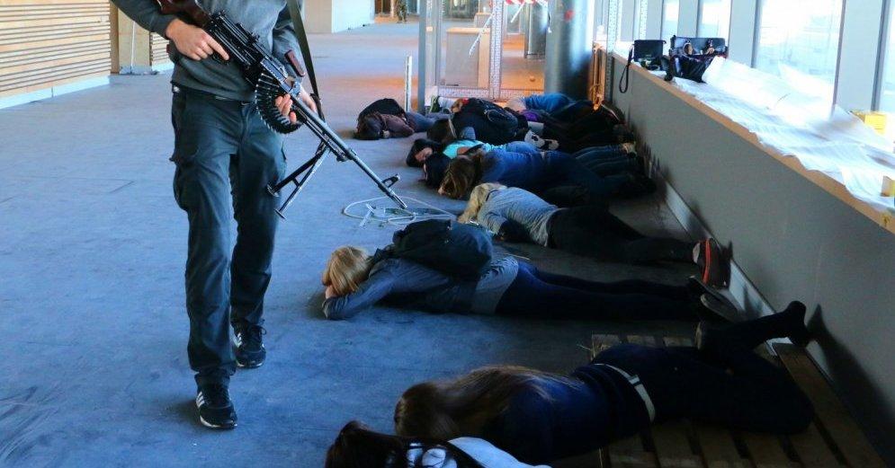 В Казани школьник взял в заложники гимназию