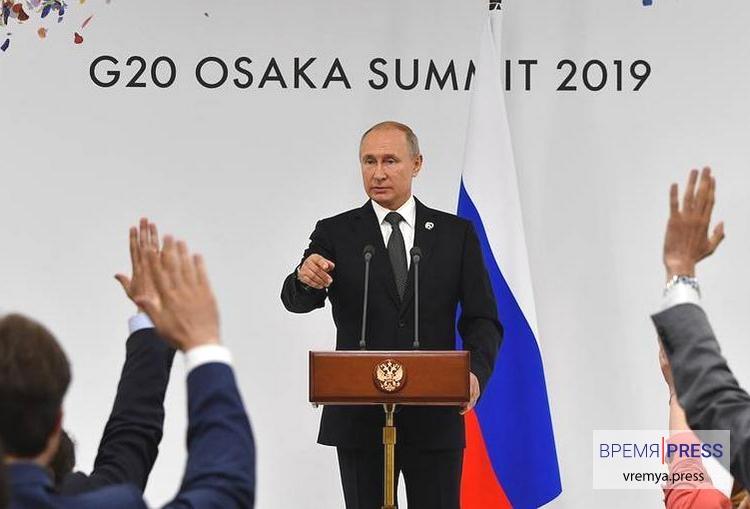 Путин: Элтон Джон заблуждается