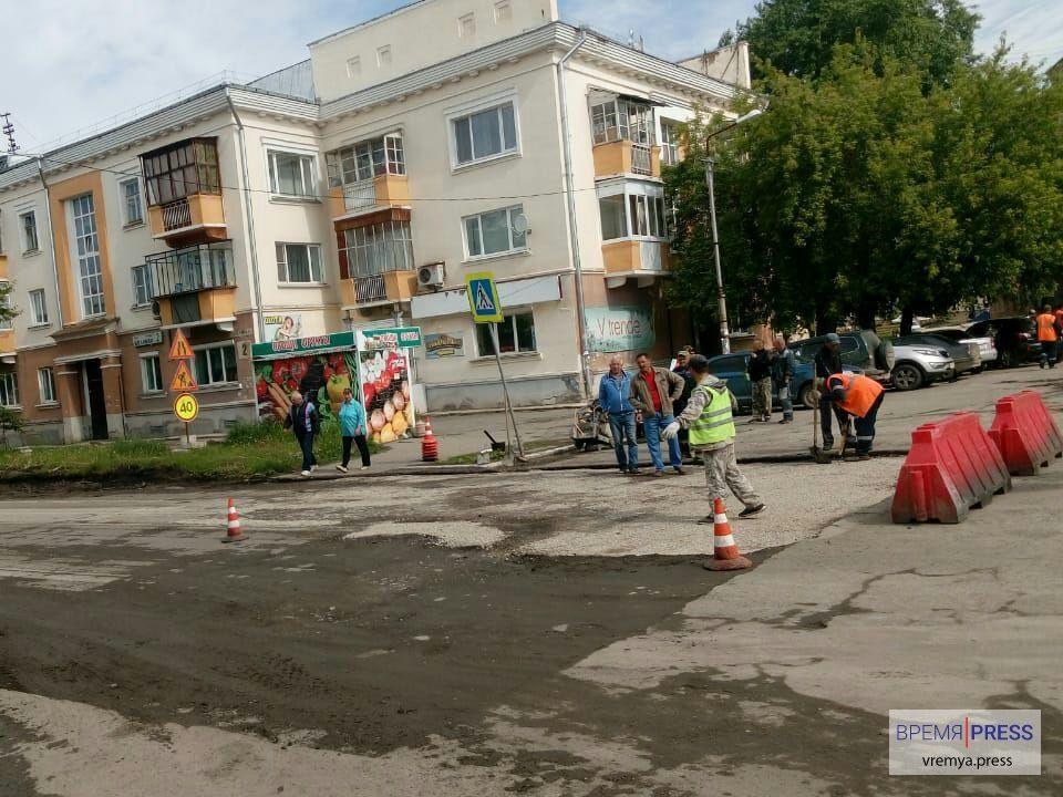 Укладка асфальта на улице Беляева
