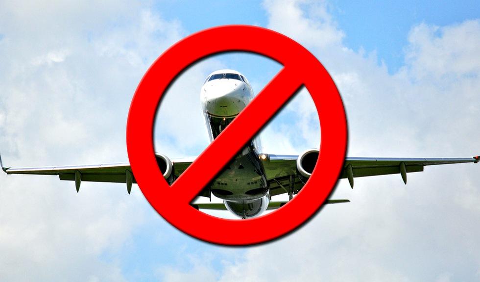 Авиакомпании отменяют рейсы в Грузию