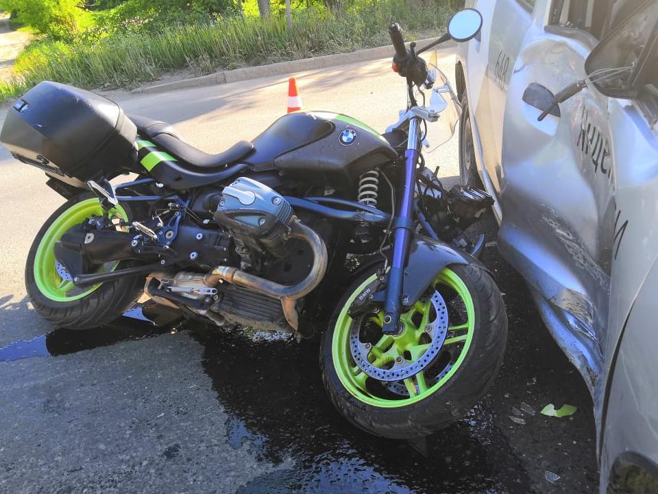 ГИБДД ищет очевидцев аварии с мотоциклом