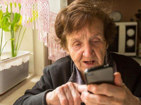 Телефонные мошенники: жители Каменска продолжают переводить деньги обманщикам