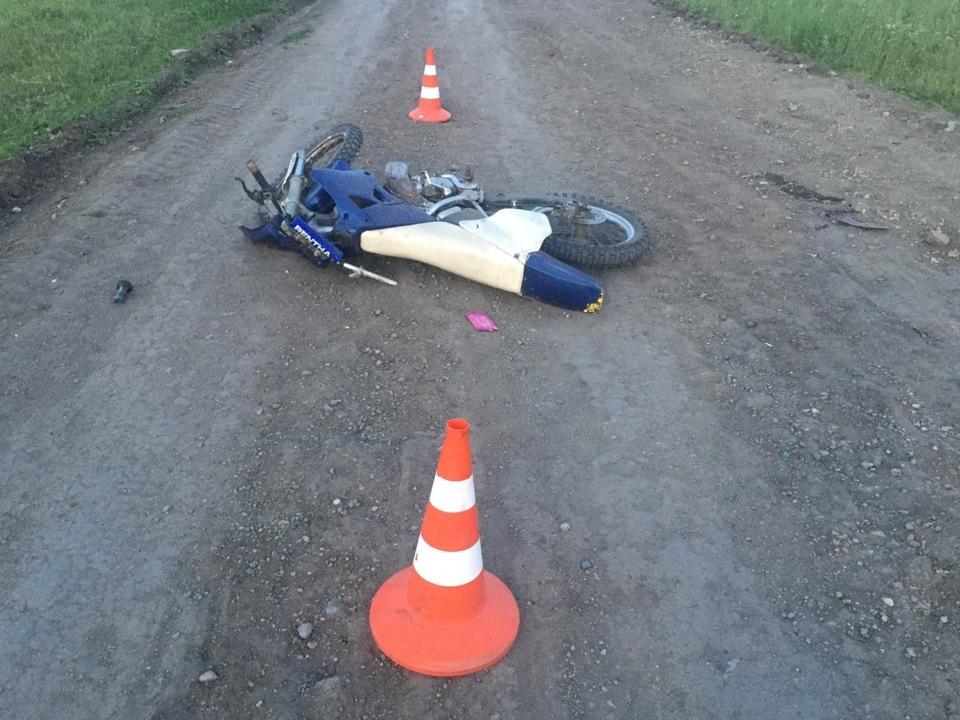 Тяжелые травмы в ДТП получил водитель питбайка в Каменском районе