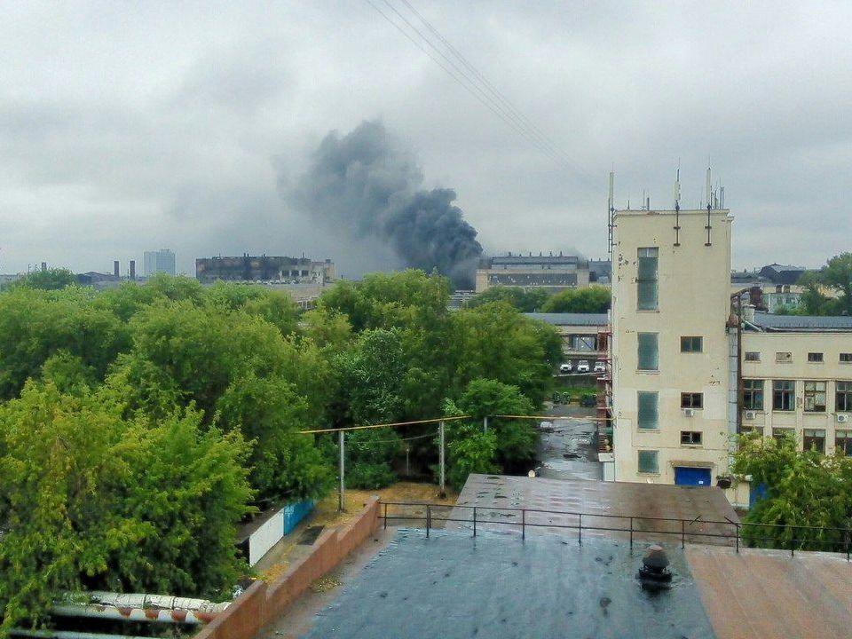 В Нижнем Новгороде горит цех Горьковского автомобильного завода