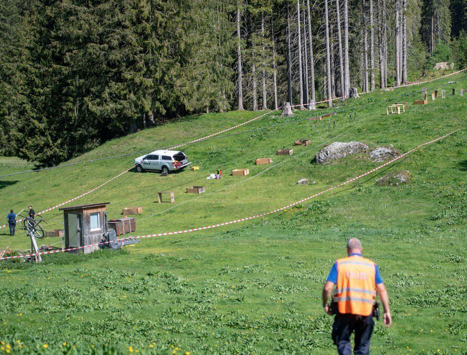 Канатная дорога оборвалась на горнолыжном курорте Швейцарии