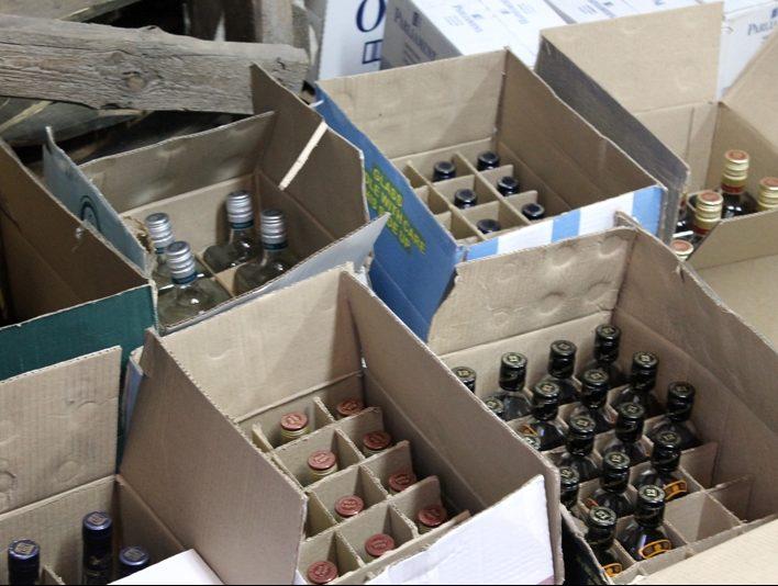 Контрафактный алкоголь на полтора миллиона обнаружили каменские полицейские