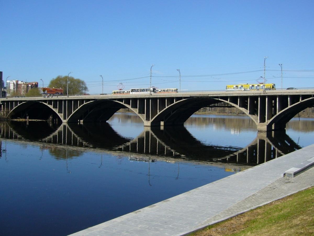 Макаровский мост откроют в понедельник