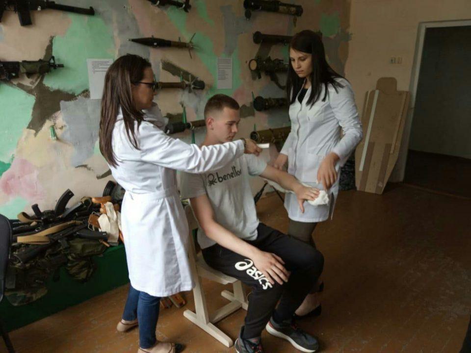 Занятия по медицинской подготовке на военных сборах