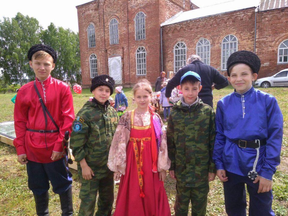 Уральские казаки отметили святую Троицу в селе Черноусово