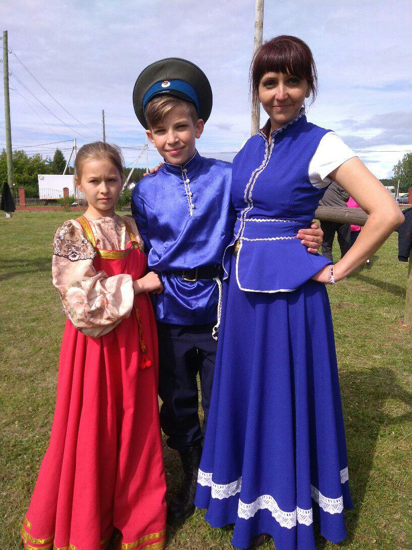 уральские казаки на фестивале святой Троицы