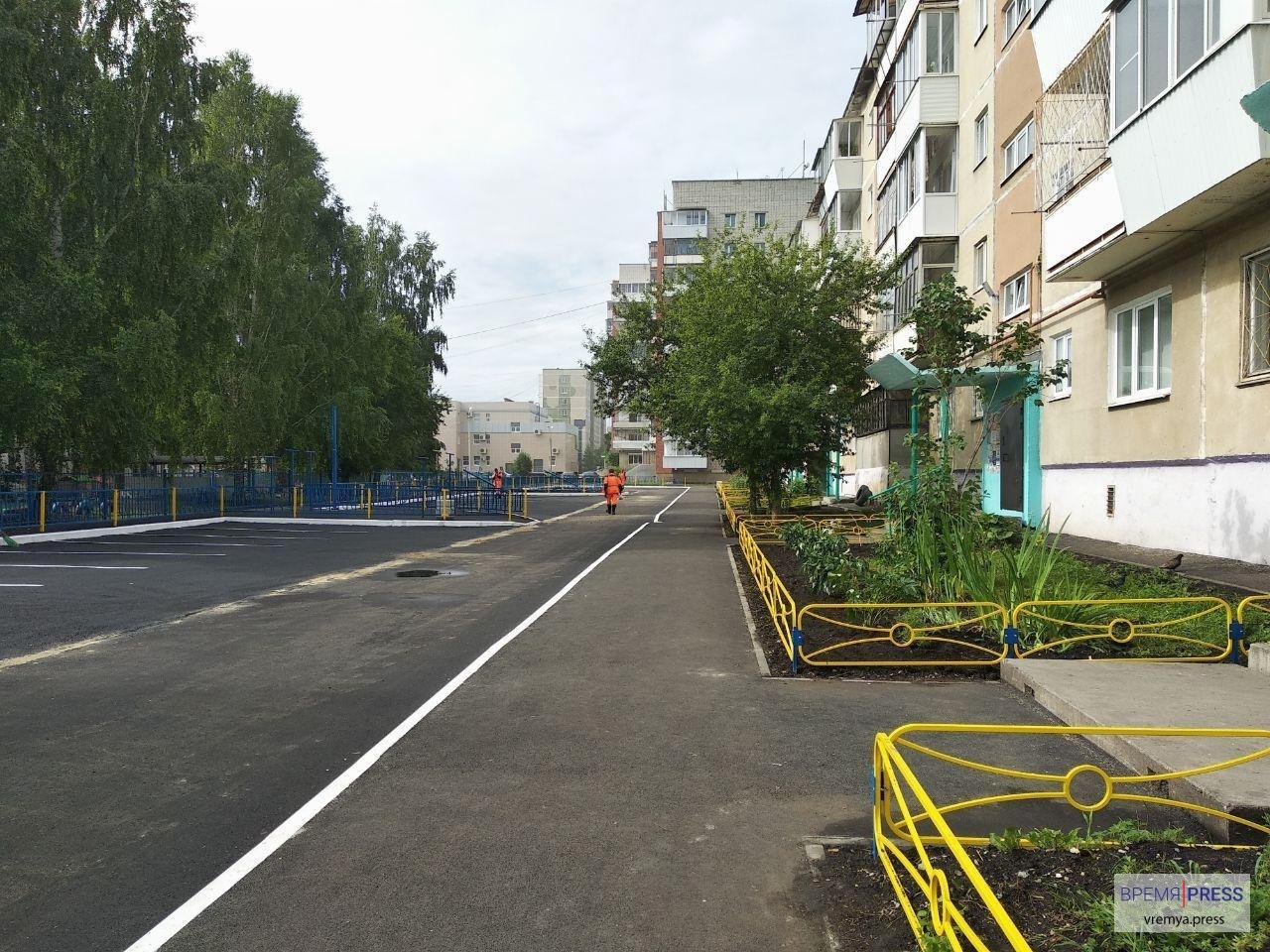 Двор по Шестакова, 19, практически готов к сдаче после масштабного ремонта