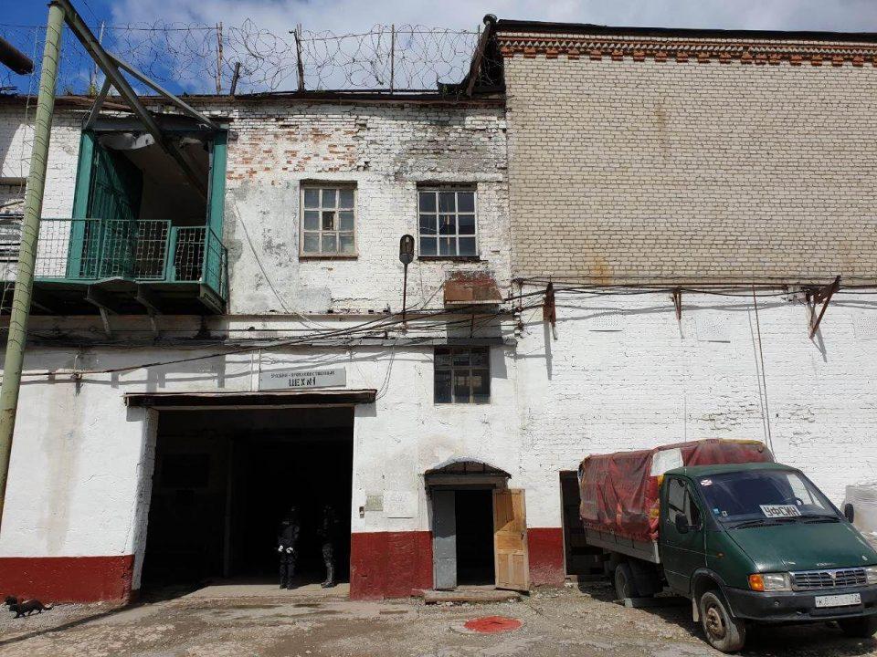 В Тюменской колонии обнаружили благоустроенную квартиру