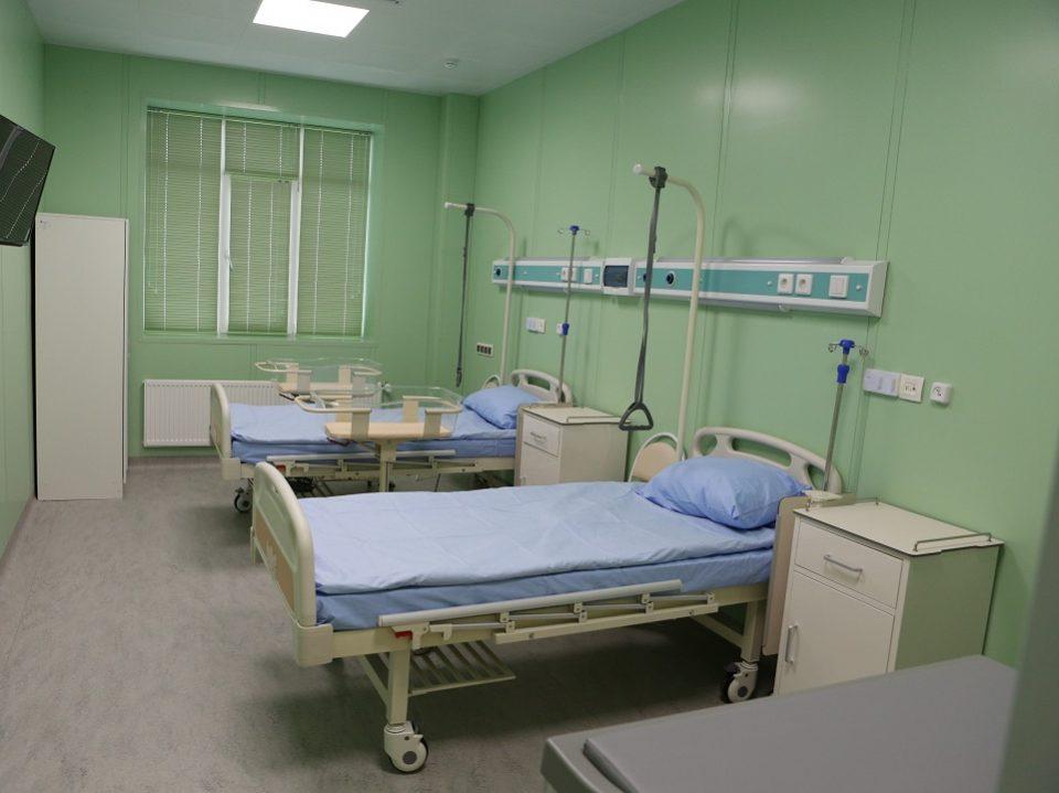 Акушерские отделения в Свердловской области закрывать не будут