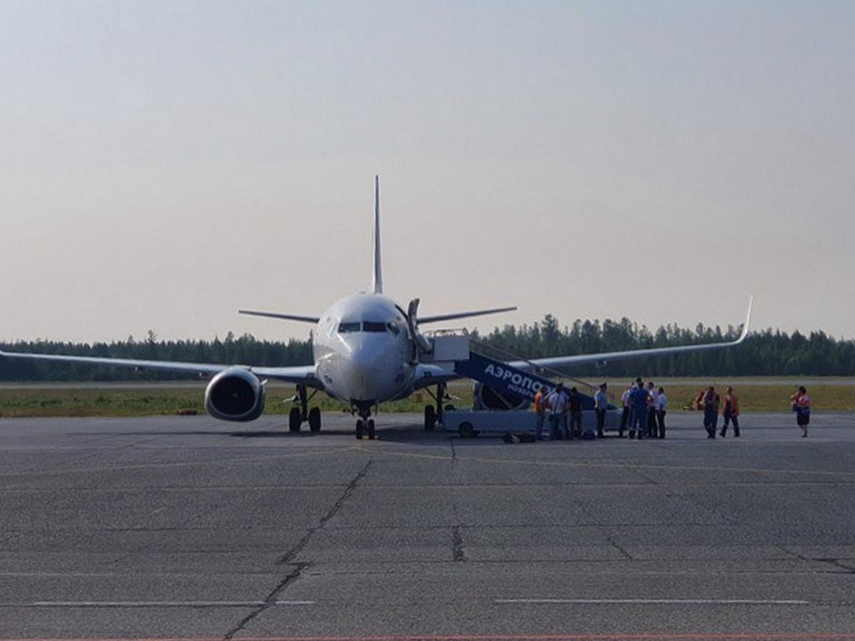 Авиадебоширы задержали рейс из Ноябрьска в Москву