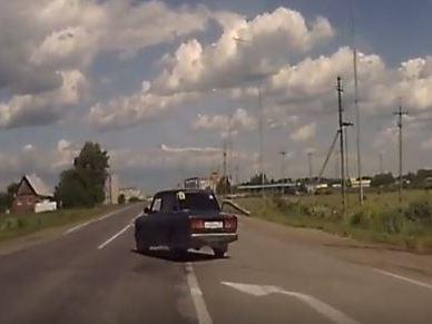 Неадекваты на дорогах Каменска-Уральского (видео)