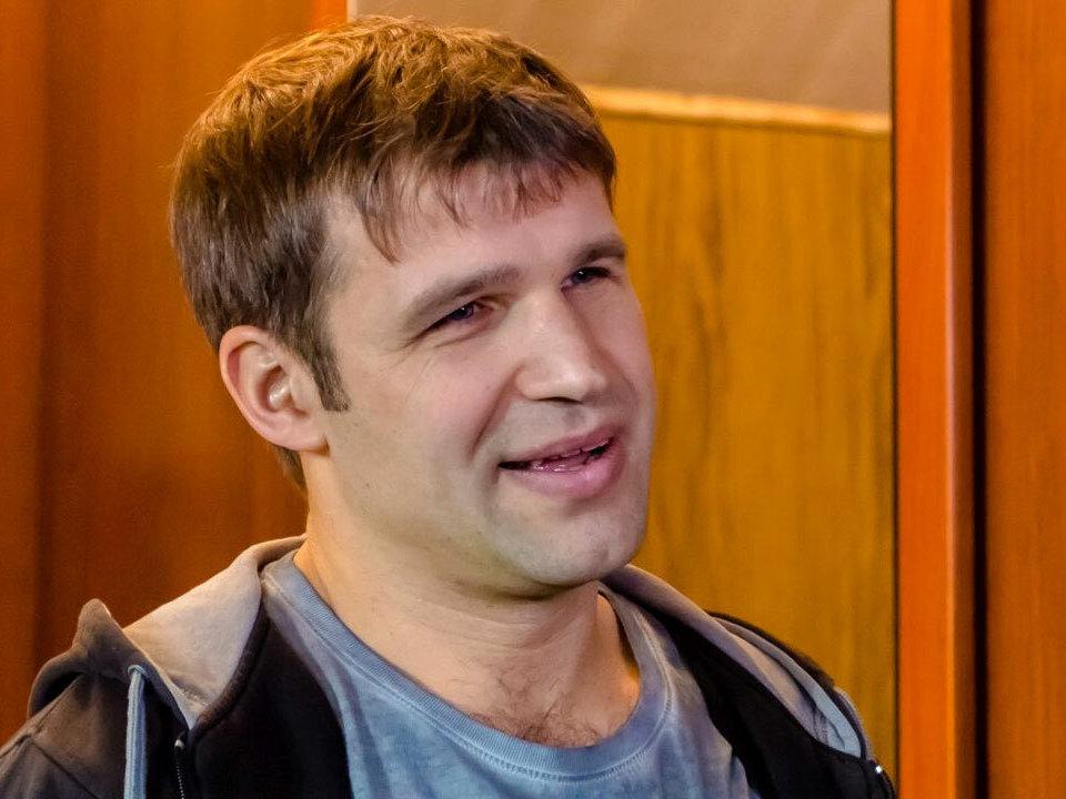 Суд оштрафовал актёра Ефременкова за нецензурную брань и оскорбления в аэропорту