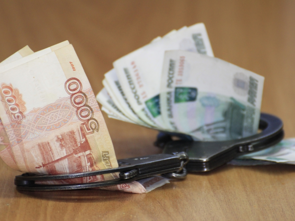 Мошенники выманивают деньги у свердловчан от имени судебных приставов