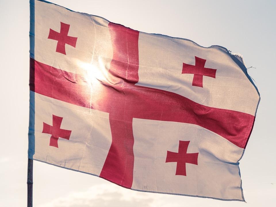 Грузинская телекомпания Рустави-2 приостановила вещание